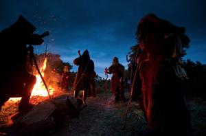 Sardegna carnevale Austis Colonganos fuoco